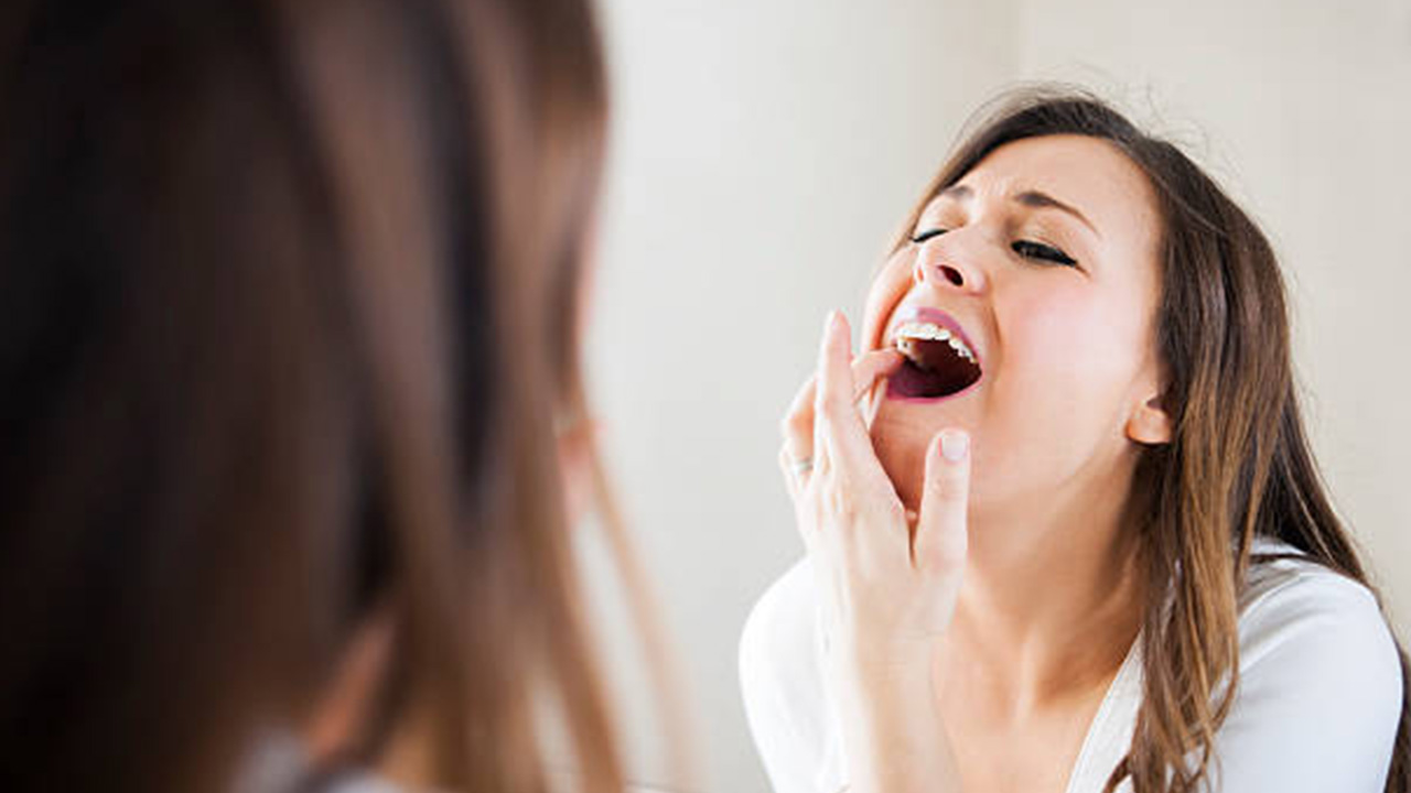 Home Remedies To Oral Treat Teeth Sensitivity
